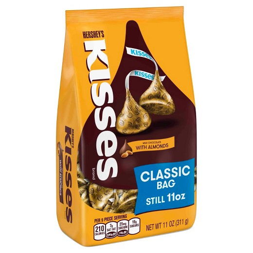 Kisses milk chocolate with almonds